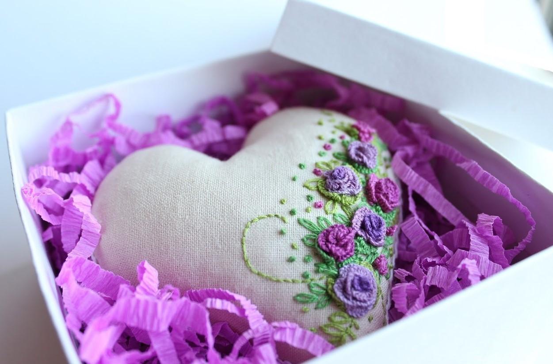 Розовая свадьба что подарить мужу фото