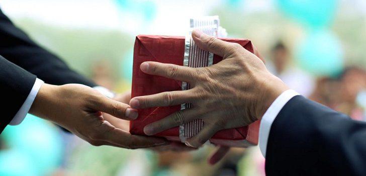 Что любят китайцы получать в подарок, а что лучше не дарить?