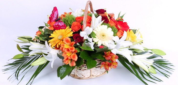 Интересных идей можно заказать эксклюзивные подарки букеты композиции живых цветов подарок мужчине на 22 года