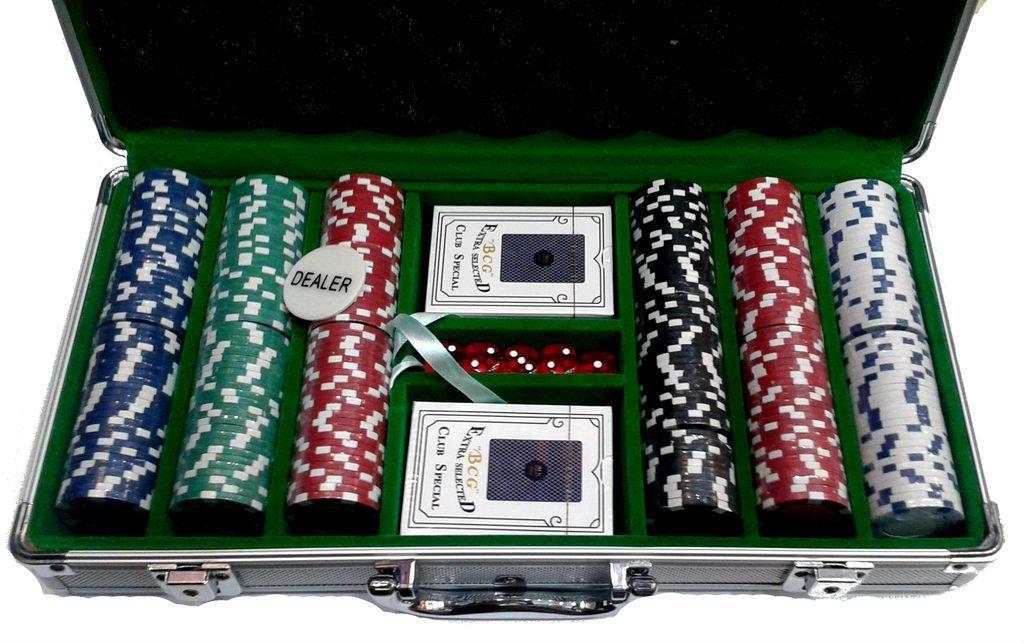 Покер в металлическом кейсе