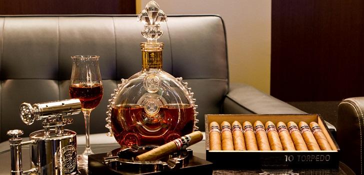 cigars_and_cognac-9302b9440acba501ea9a43