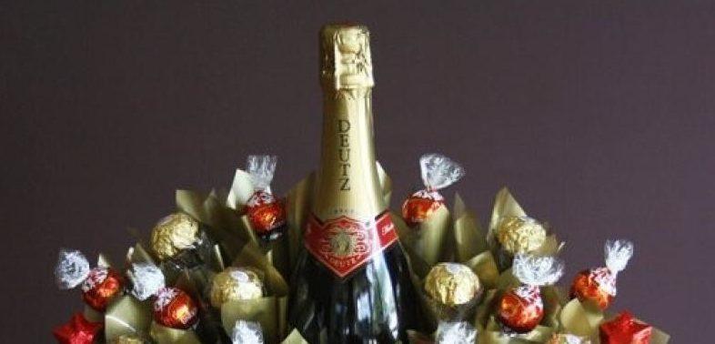 Новогоднее шампанское с конфетами