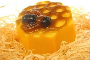 Мыло - Медовые соты с пчелой